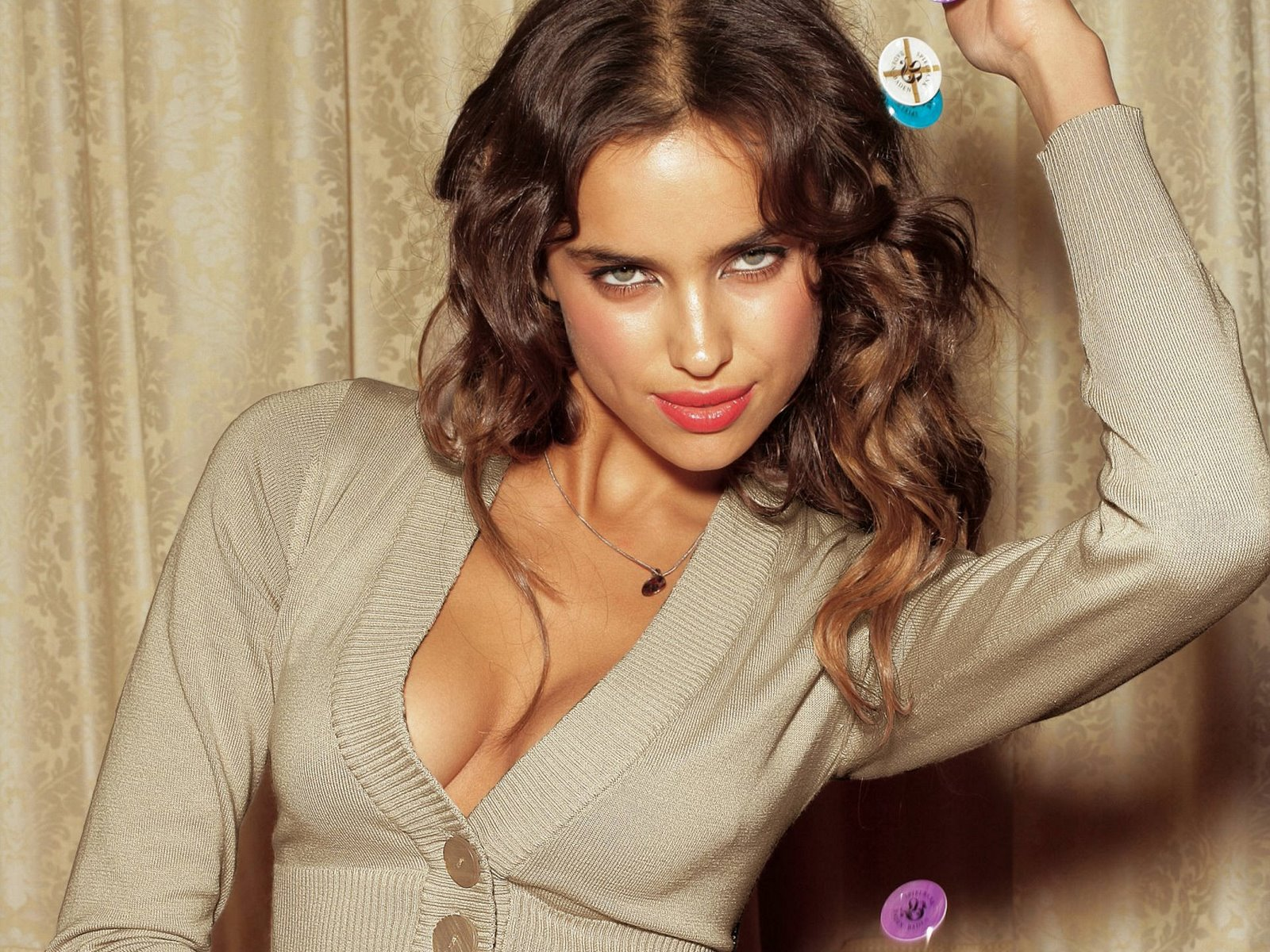 http://3.bp.blogspot.com/-5bTpRl0HkT4/Tg2CcaISkSI/AAAAAAAAPV0/DSwTVGP81-Q/s1600/irina+Shayk+photos+and+wallpapers5.jpg