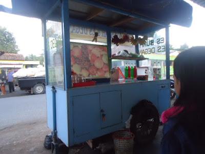 wisata kuliner es buah prapatan mangli kuwarasan