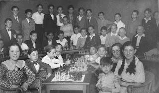 Un día dedicado a los jovencito en el Club Ajedrez Manresa