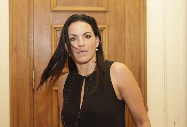 Εγκεφαλικό: Δείτε πώς πήγε η Όλγα Κεφαλογιάννη στην Βουλή και προκάλεσε!