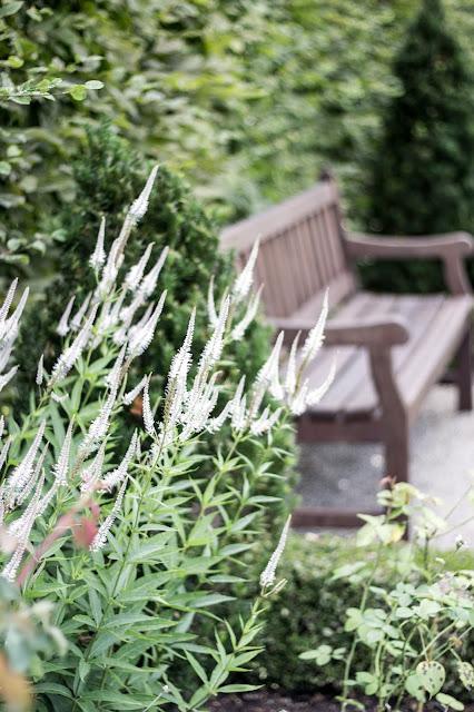 Garten der Sinne, Gartenbank,Ruhebank, Garteninspirationen
