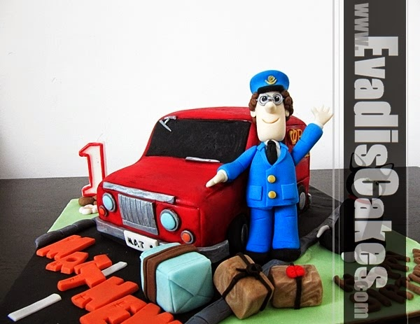Postman Pat cake overall view picture