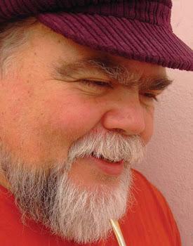 Rafael Amor, descubriendo la poesía y el compromiso en cada acto, cada rincón, cada gesto