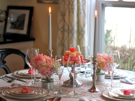 Красива маса за гости на Свети Валентин