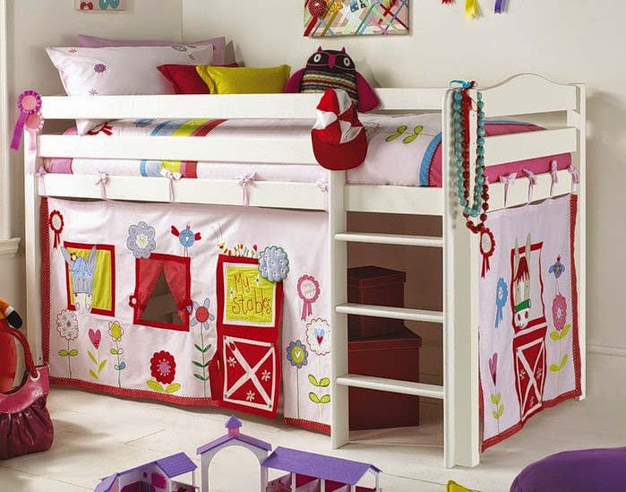 girls room ideas decorative curtain under the bed for storage - Creative Girls Rooms