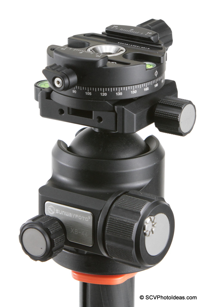 Sunwayfoto DDH-03 PC on XB-44 LP ball head via AM-02