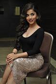 Aparna Bajpai sizzling photo shoot-thumbnail-5