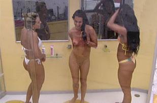 Noemi Nua Sem Censura No Bbb Espanhola Brinca Chuveiro