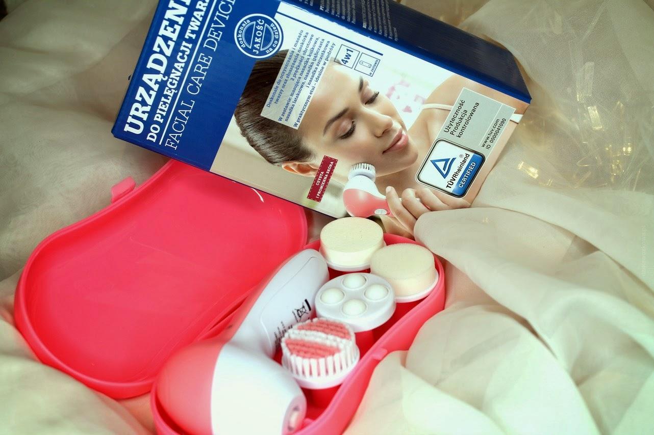 Szczoteczka i nasadki masujące do twarzy z biedronki