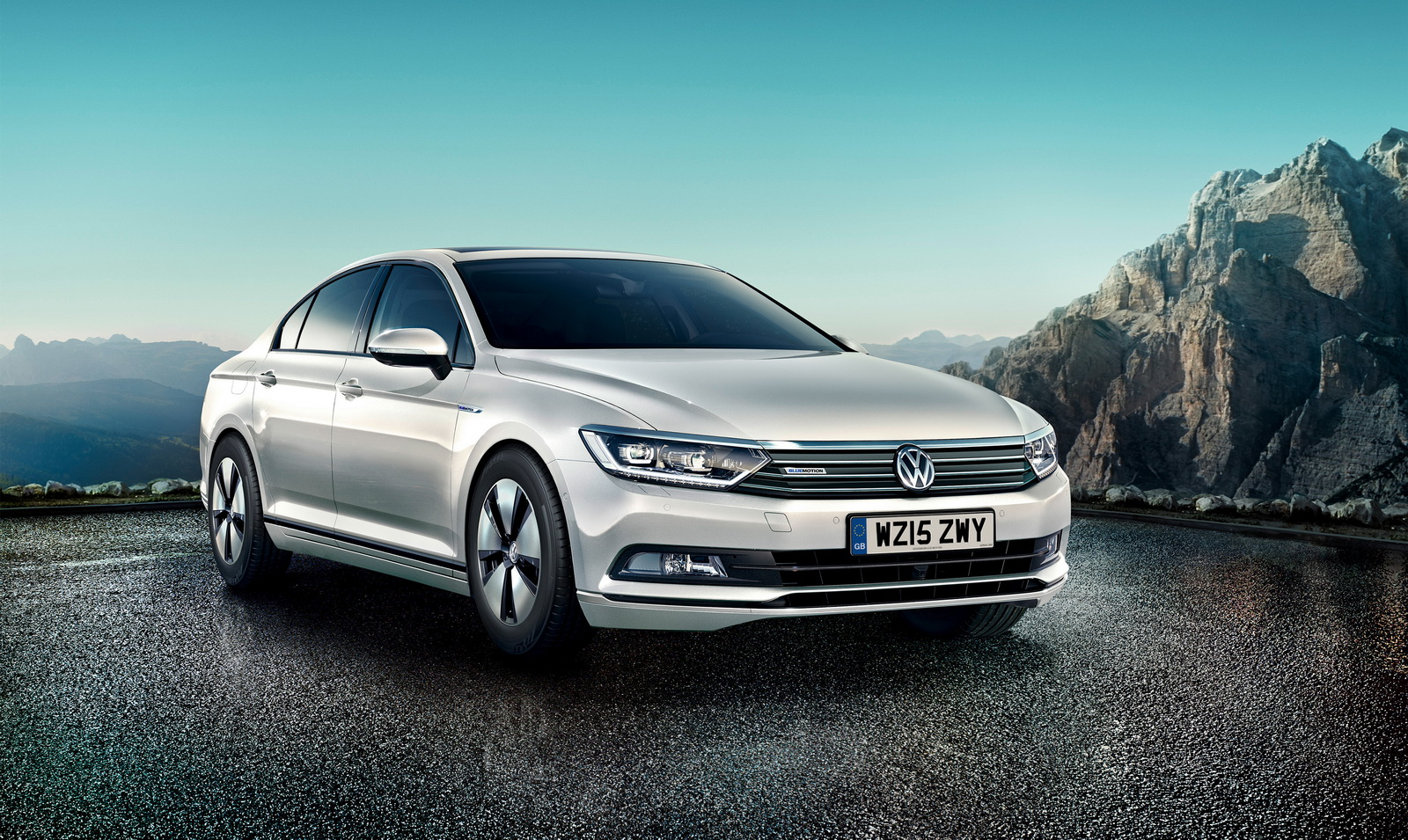 new vw passat bluemotion returns and 95g km of co2 carscoops. Black Bedroom Furniture Sets. Home Design Ideas