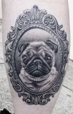 tatuagem de cachorro na panturrilha masculina
