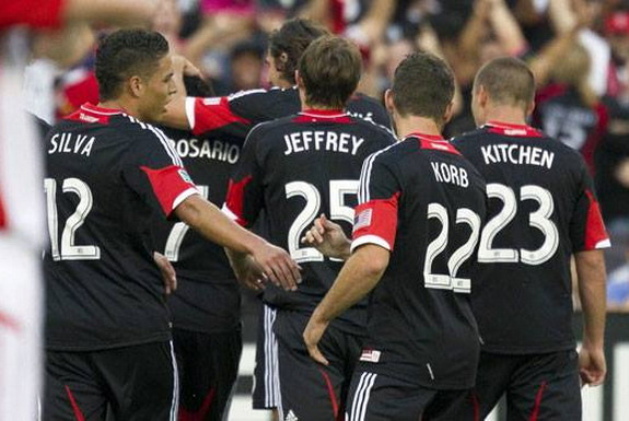 Dwayne De Rosario celebrates his goal against Toronto FC with D.C. United teammates