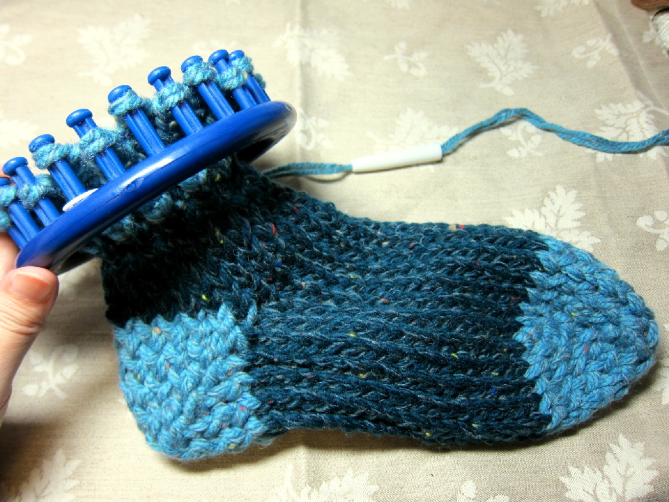 Caros Loom Knitting Album Toe Up Tutorial