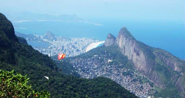 Vista panoramica di Rio dalla favela