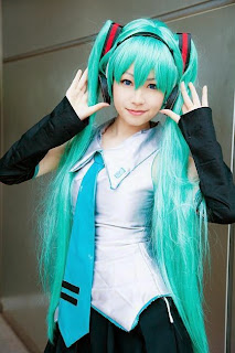 Vocaloid Hatsune Miku cosplay by Merino Moko