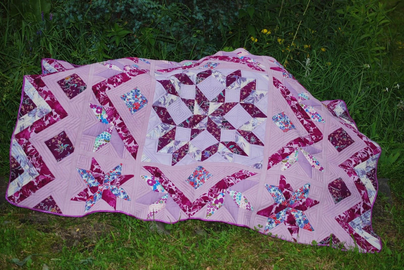 Сиреневое лоскутное одеяло