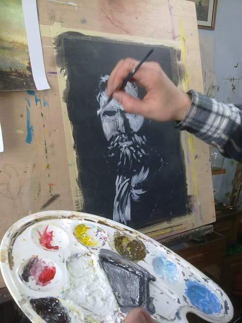 pintando con blanco sobre negro