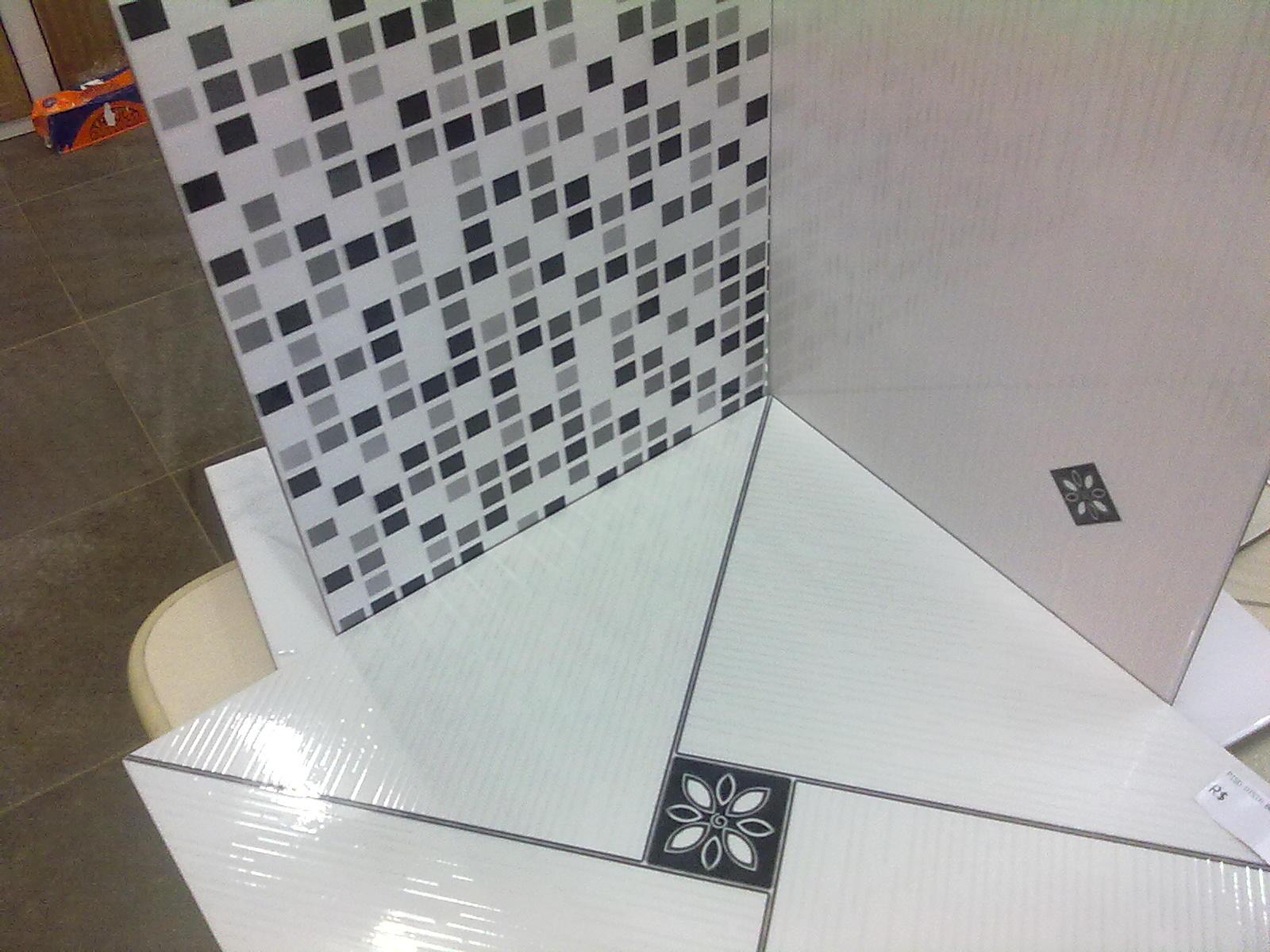 Adilson Simone e Lilica em construção!!!: Revestimentos de parede #7A6C51 1600x1200 Banheiro Com Azulejo Que Imita Pastilha
