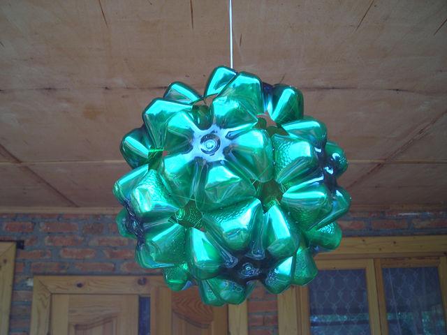Сделать новогодние игрушки своими руками из пластиковых