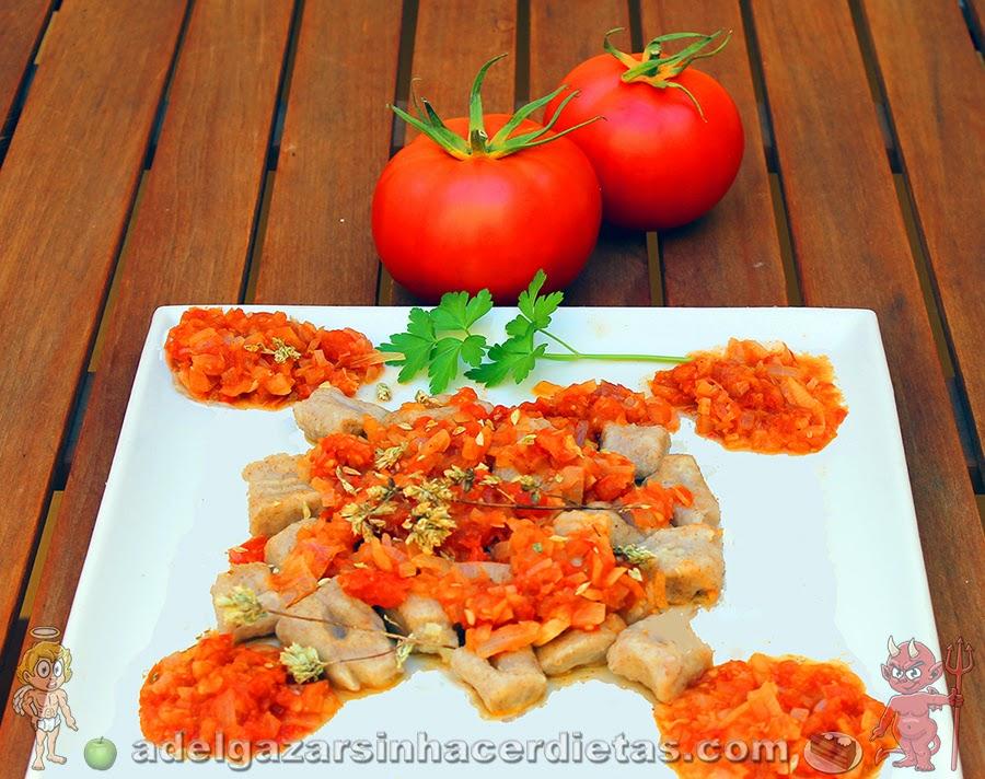 Receta saludable de ñoquis con salsa de tomate (gnochi) bajo en calorías, apto para diabéticos y bajo en colesterol.