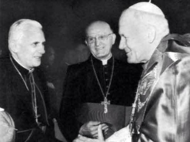 Os três últimos papas juntos, JP II, Bento XVI e Francisco