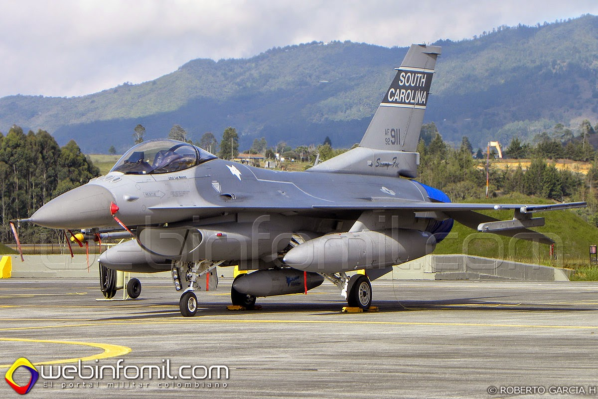 F-16 Colombia ejercicios
