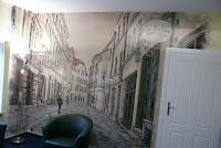 Malowanie obrazu na ścianie  w gabinecie, Toruń