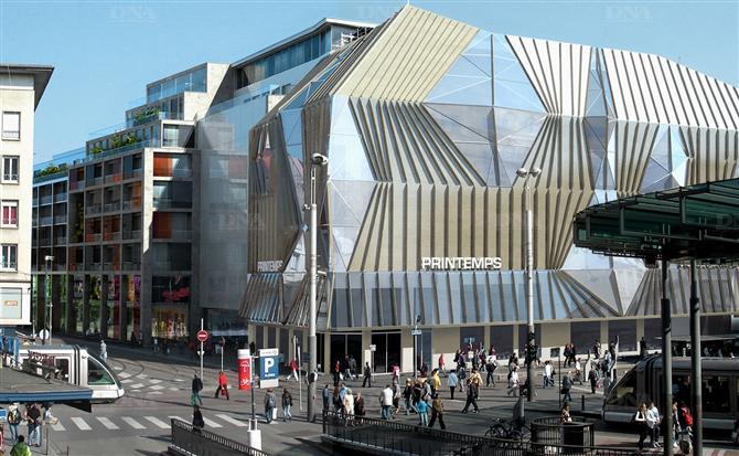 Mode et urbanisme galeries lafayette fid le ses codes strasbourg - Magasin printemps strasbourg ...