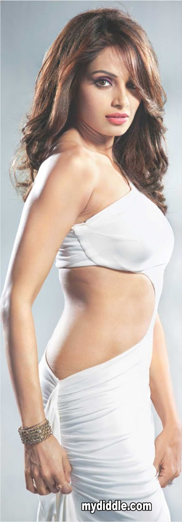 Bipasha Basu Hot Scan