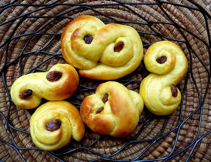 Lussekatter piccoli pani dolci di Santa Lucia