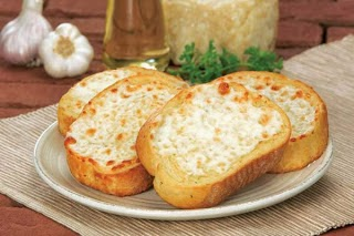 http://welcometotheworldofh4.blogspot.in/2012/12/garlic-cheese-bread.html