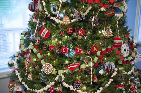 Homemade Christmas: Finished 2010 Christmas Tree