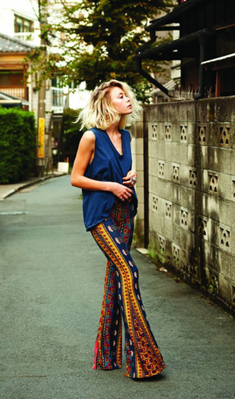 Messy blond bob, bed head bleached hair, deep hair flip, print bell bottoms, street style