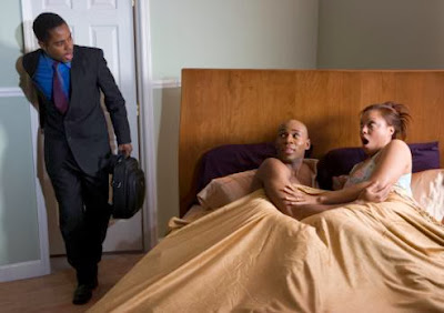 cheating_wife - سيدة تتزوج من ثلاثة رجال فى نفس الوقت - زوجة خائنة تخزن زوجها حبيبها