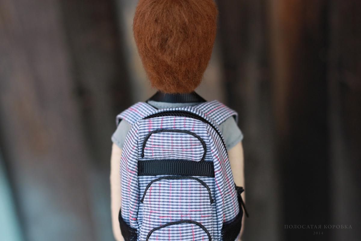 Миниатюрный рюкзак для куклы
