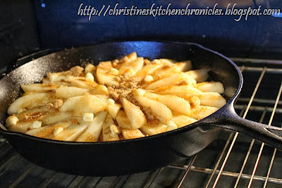 Christine's Kitchen Chronicles: Ginger-Pear Skillet Cake