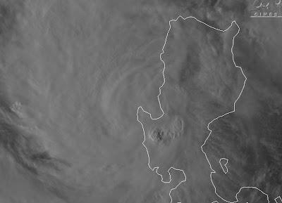 Taifun NALGAE verlässt die Philippinen - Neue Zugrichtung: Südlich an Hainan vorbei nach Zentral-Vietnam, Philippinen, Nalgae, Hainan, Vietnam, Laos, Oktober, Satellitenbild Satellitenbilder, Verlauf, Vorhersage Forecast Prognose, Taifun Typhoon, Taifunsaison, aktuell,