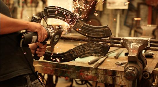 pembuatan-alat-muzik-dari-pistol