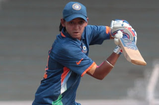 Harmanpreet-Kaur-plays-a-shot