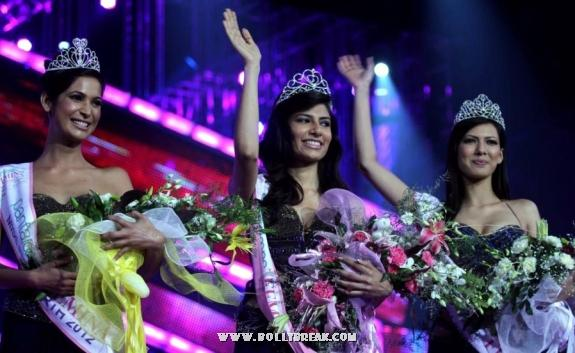 Vanya Mishra Unseen Miss India 2012 Pics - Crown Ceremony - Famous Miss India Pictures - Famous Celebrity Picture