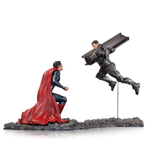 Man of Steel (Film/Movie) Review - Statue Product 2