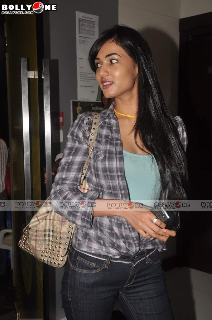 Sonal Chauhan in Denim Jeans at Shaitan special screening