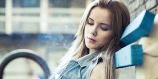 4 Sebab Jatuh Cinta Bikin Anda Sedih