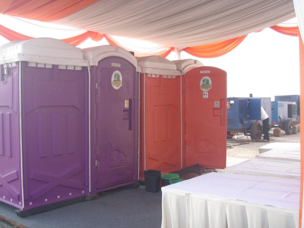 Sewa Toilet Harian VVIP Double Cabin