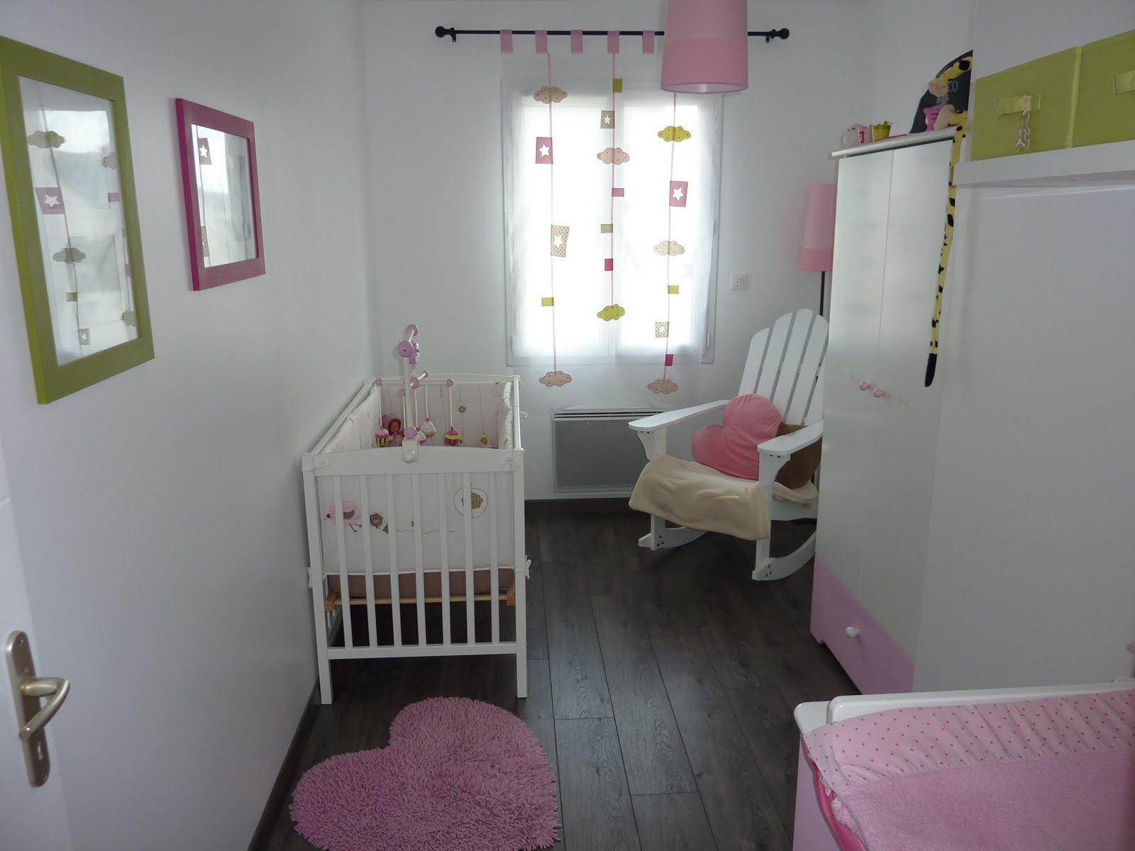Best Idee Chambre Bebe Petit Espace Contemporary - House ...