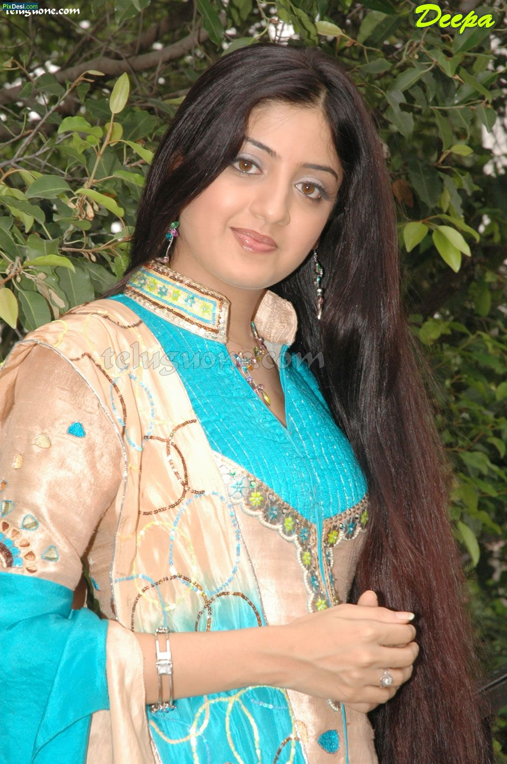 Manhar 39 s world rabia pic - Indian nice girl wallpaper ...