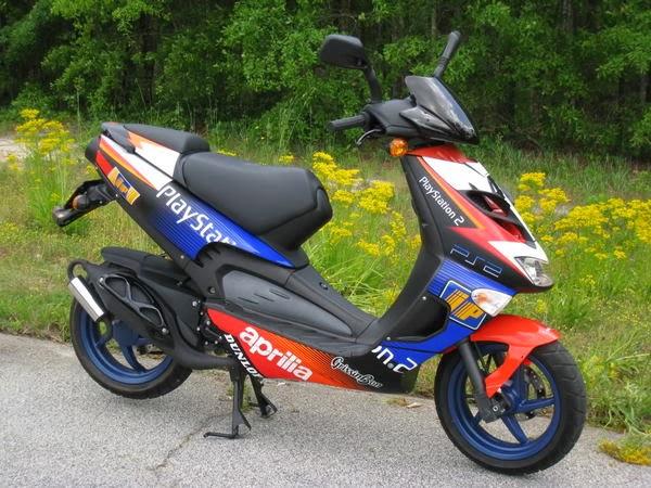 Aprilia SR50 Ditech latest Scooters HD Wallpapres