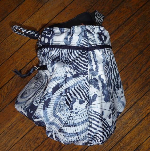 lululemon-wanderlust diversity-bag