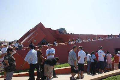 El Museo Tumbas Reales del Señor de Sipán, en Lambayeque, es un atractivo turístico importante en la Ruta Moche.