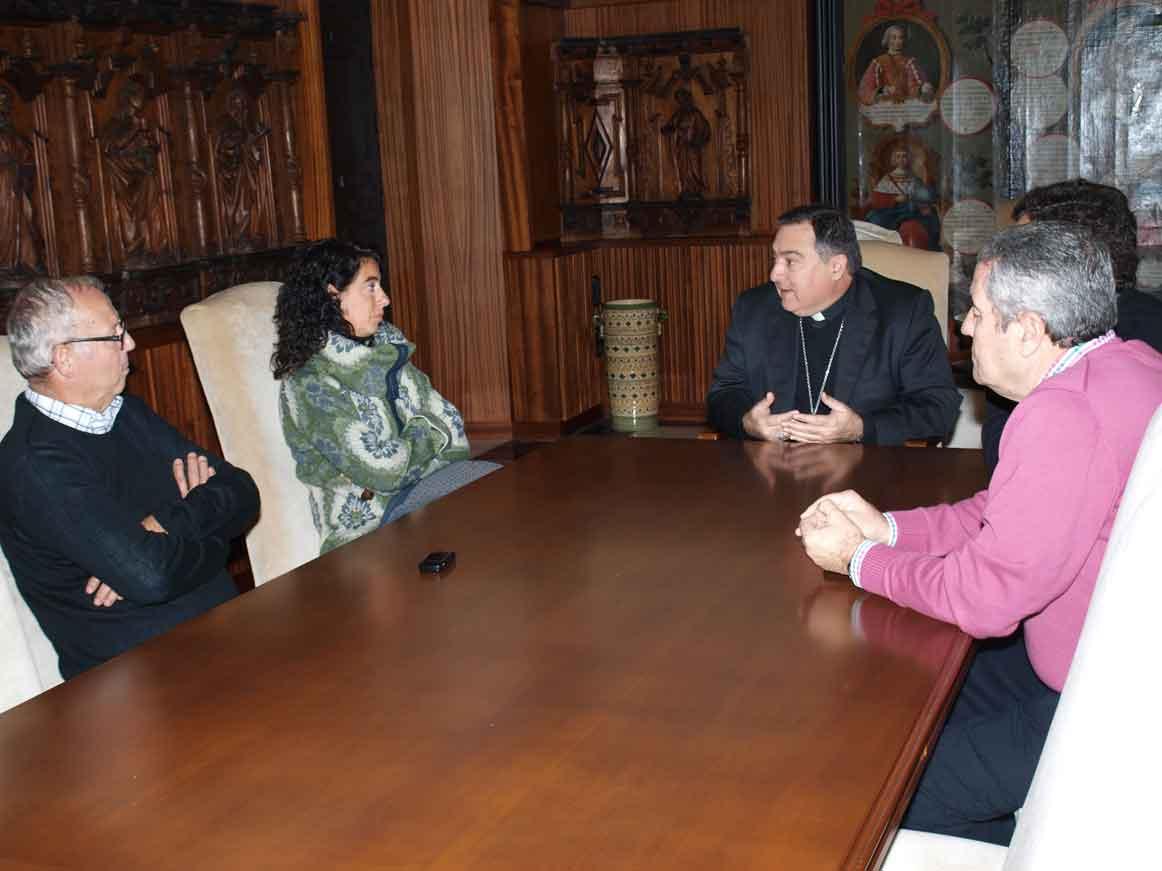 Noticias de asidonia jerez el obispo recibe a una for Oficina directa pastor